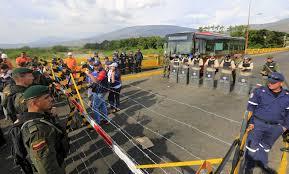 Ola de venezolanos en frontera con Colombia supera previsión
