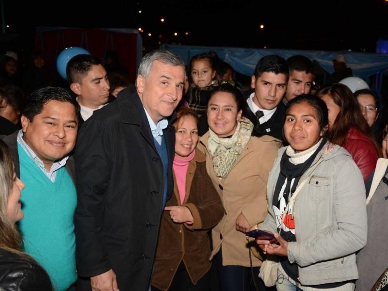 Morales anunció viviendas para Monterrico