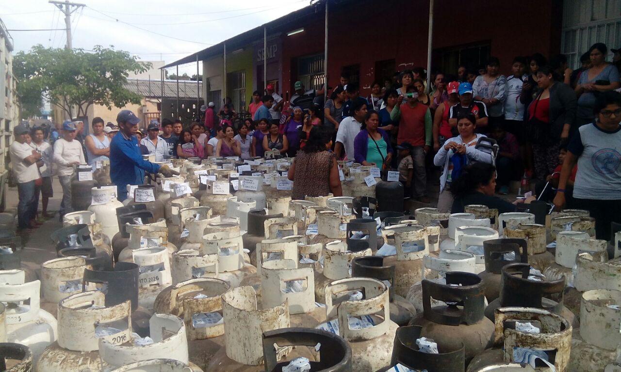 Entregaron 250 garrafas sociales en la Dirección de Acción Social