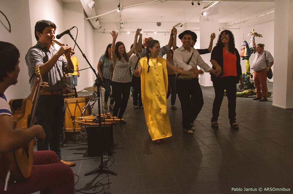 Ledesma acompaña a Cecilia Espinoza en  el Centro Cultural Borges