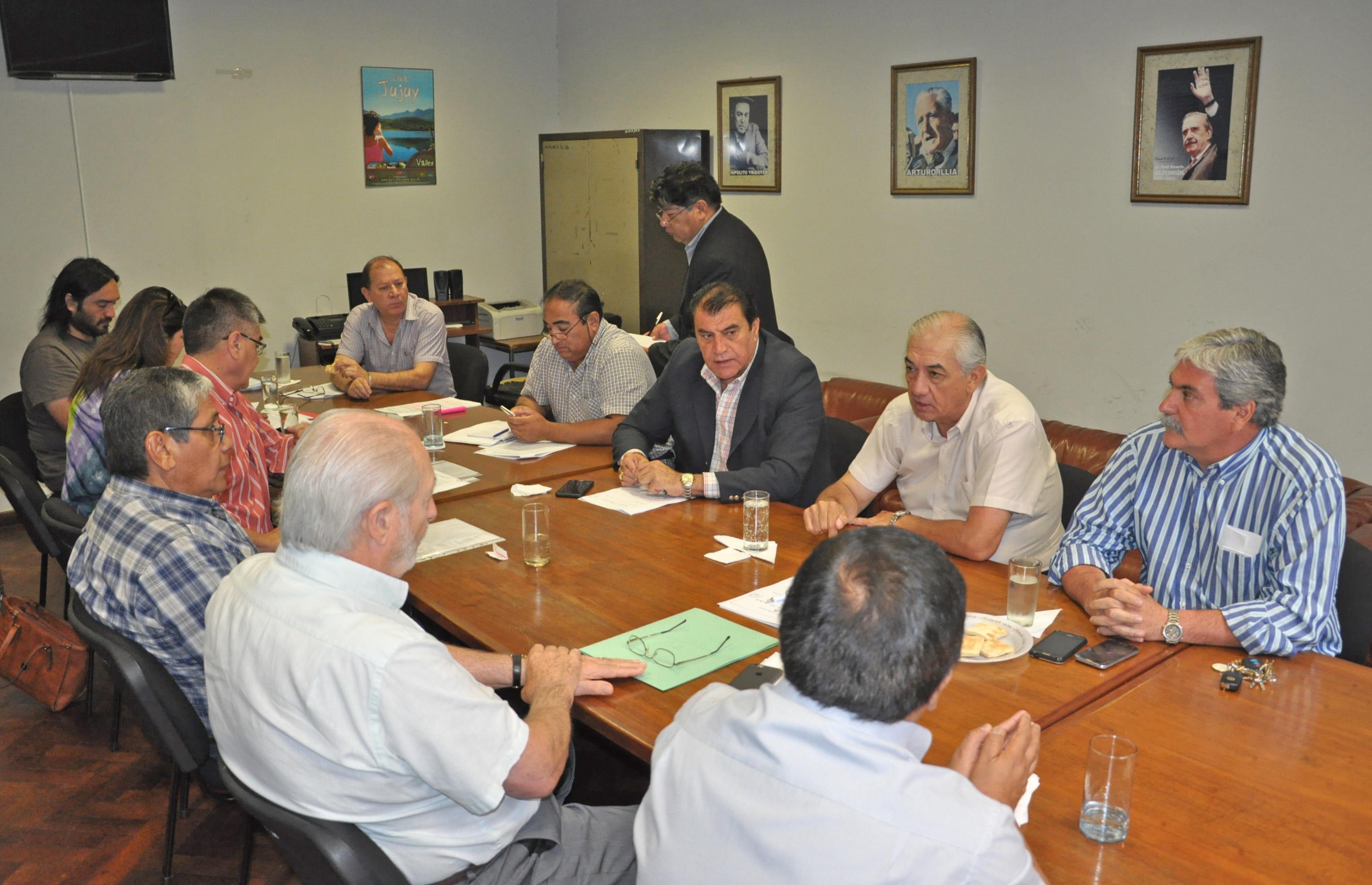 Analizan proyecto sobre régimen transitorio de regularización del transporte intermunicipal