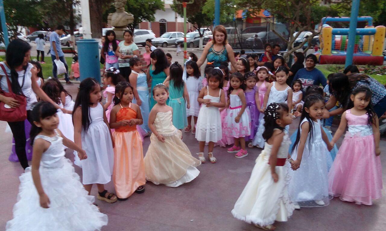 Guardería Materno Infantil San Ramón realizó la presentación de sus niños en la cena de colores