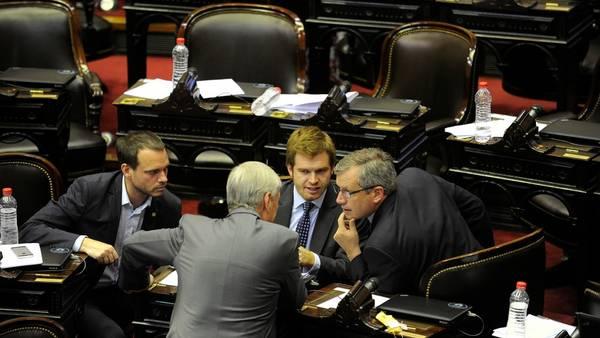 Diputados le dio media sanción a la ley de emergencia social