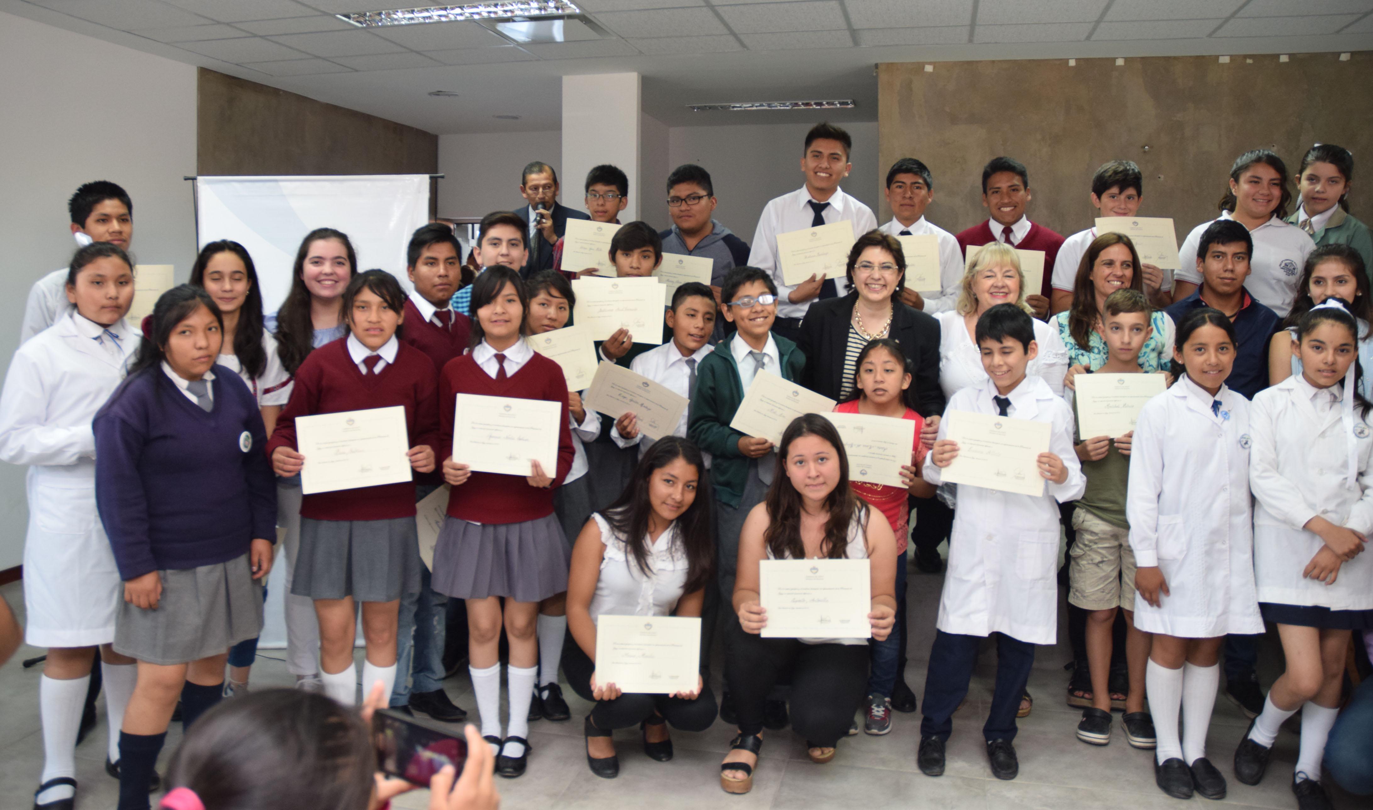 Estudiantes jujeños recibieron un reconocimiento nacional por sus logros