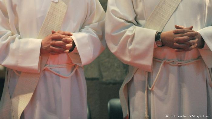 Papa promete «severidad extrema» con pederastas y encubridores