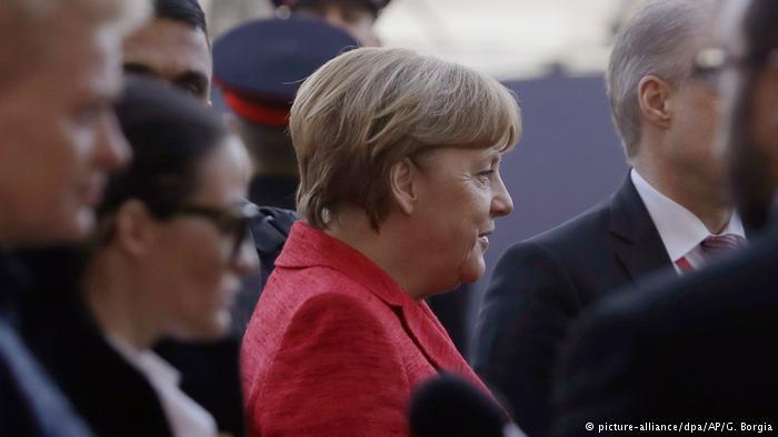UE acuerda programa contra la inmigración desde África