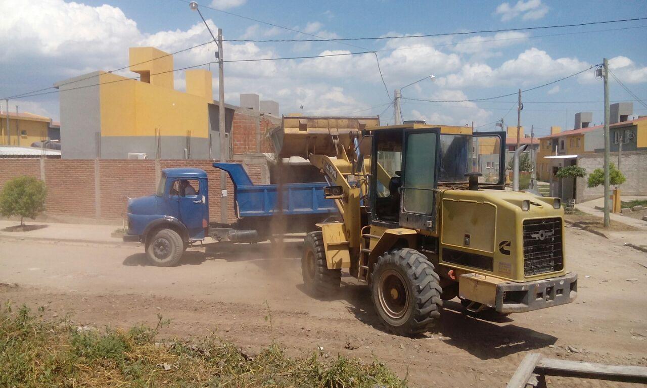 Ficoseco dispuso el retiro de basurales y escombros para preservar la salud social