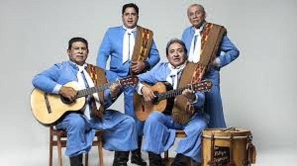 Los Manseros Santiagueños y Los Huayra el 19 de Abril