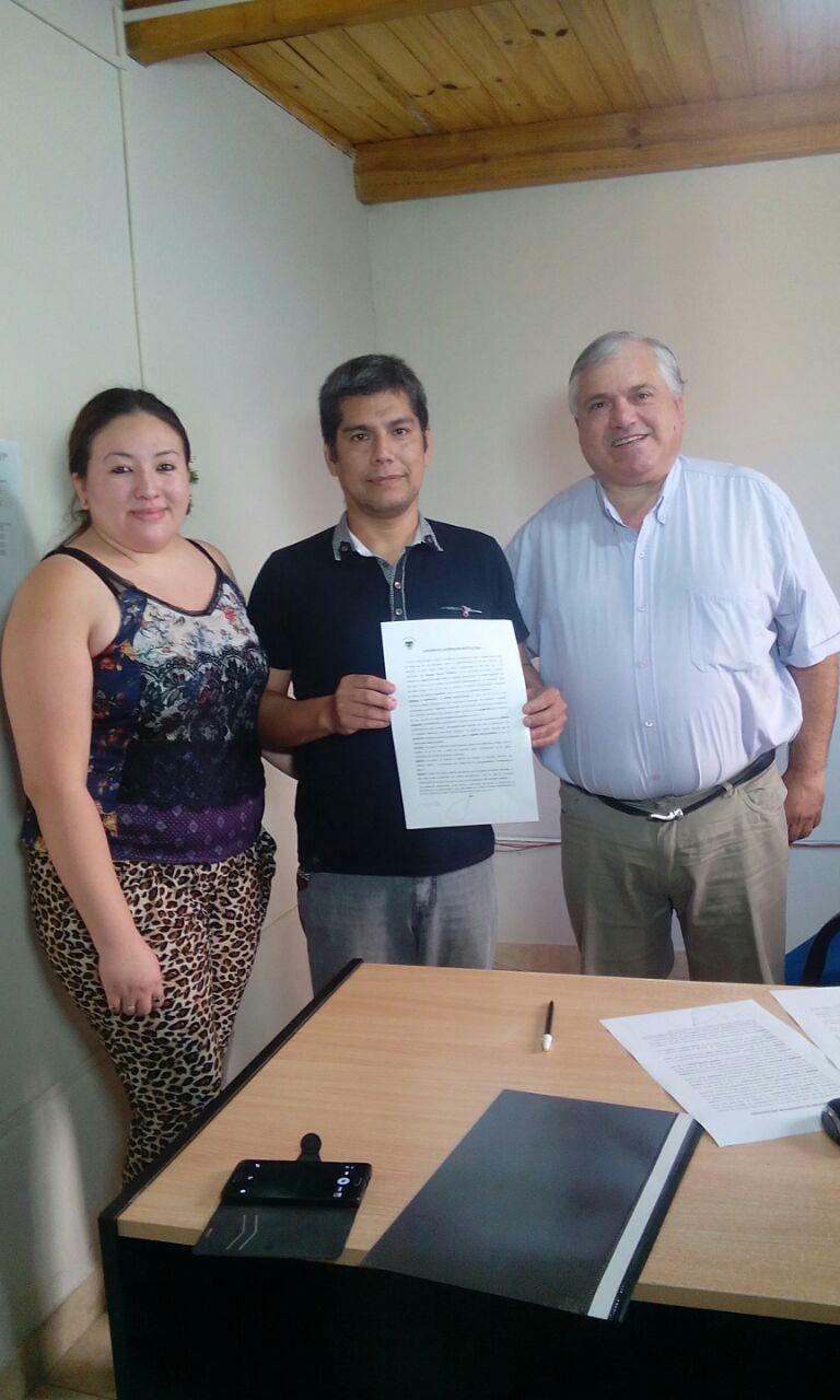 Presidente de Centro Vecinal Pedro Ortega firmó convenio con la Secretaría de Obras y Servicios Públicos