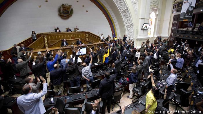 Venezuela: militares impiden ingreso de la prensa a Asamblea