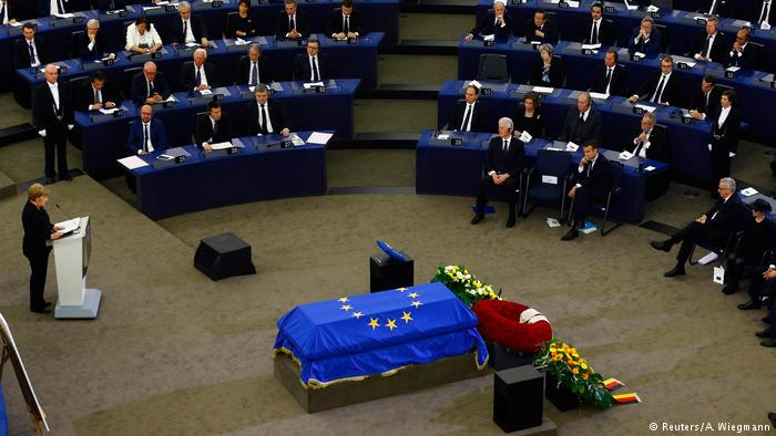 Helmut Kohl vuelve a hacer historia