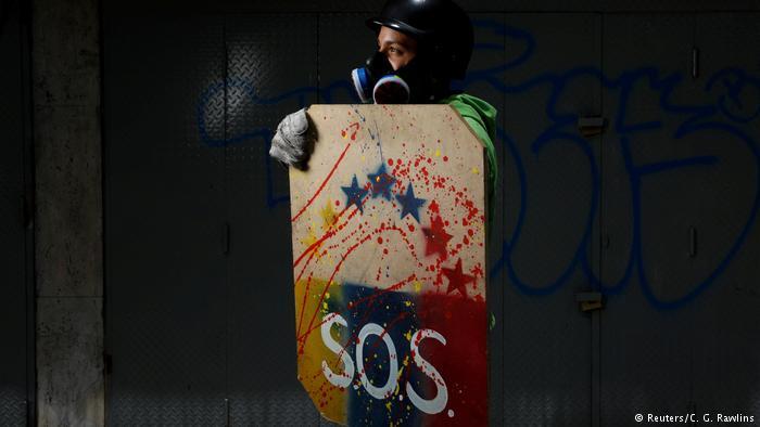 El desgarro institucional en Venezuela