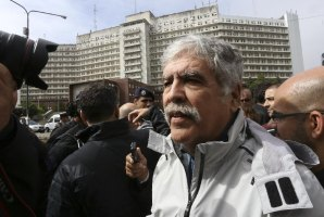 Piden el desafuero y la detención del diputado Julio De Vido