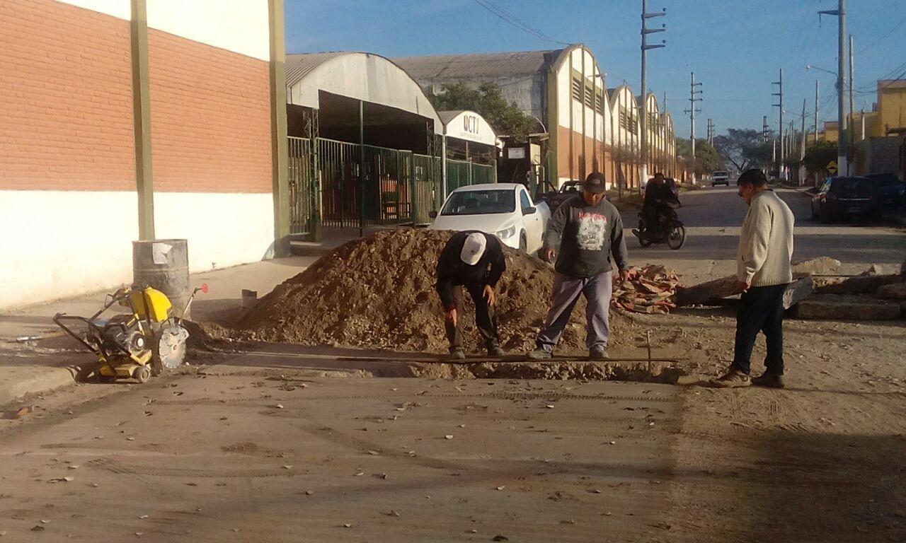 Trabajos de pavimentación en Avda. Urquiza frente a Cooperativa de Tabacaleros