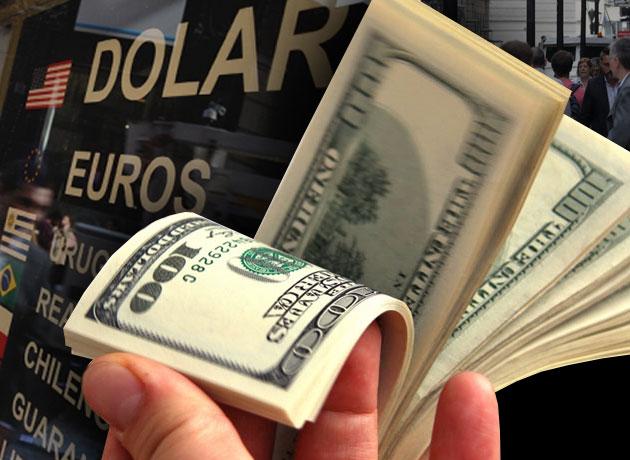 Dólar electoral: el Gobierno se metió de lleno en su cotización vendiendo billetes, pero igual cerró en alza a $17,97