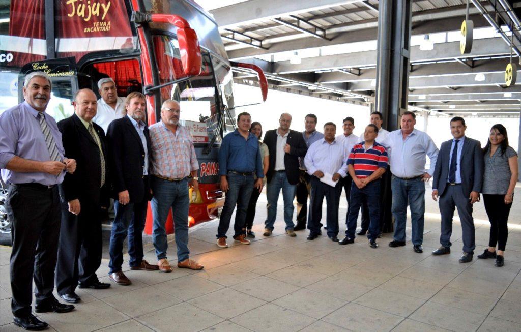 Servicio diario de transporte entre El Fuerte – San Pedro – S.S. de Jujuy