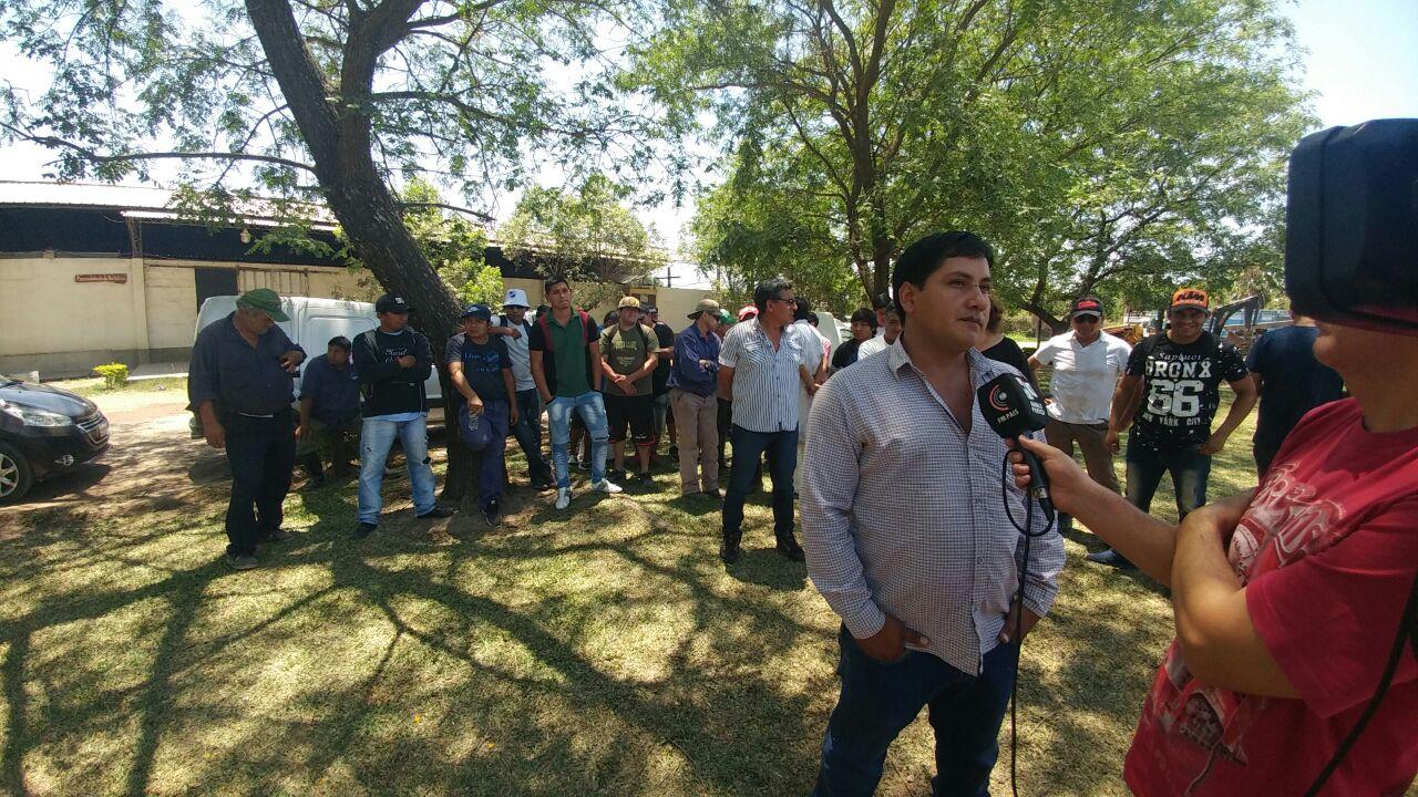 Familias de Perico piden al Gobernador por su fuente laboral