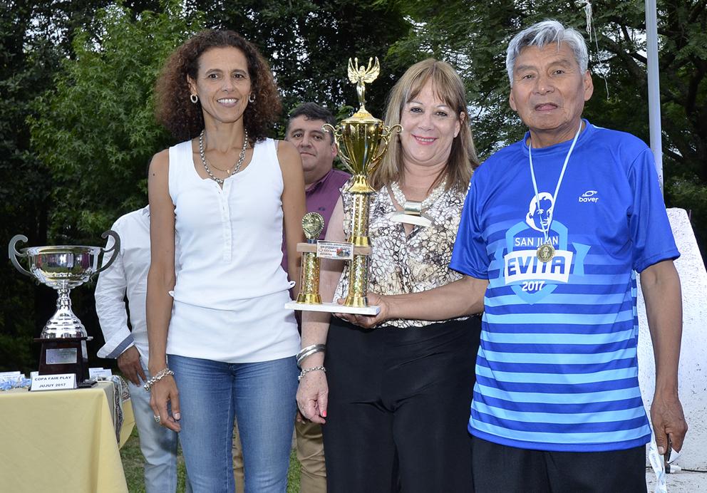 Reconocimiento a deportistas de los Juegos Evita