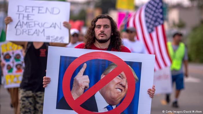 Juez bloquea decisión de Trump de eliminar el plan migratorio DACA