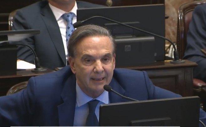 """Pichetto advirtió que el mega DNU del Gobierno """"es abusivo"""""""