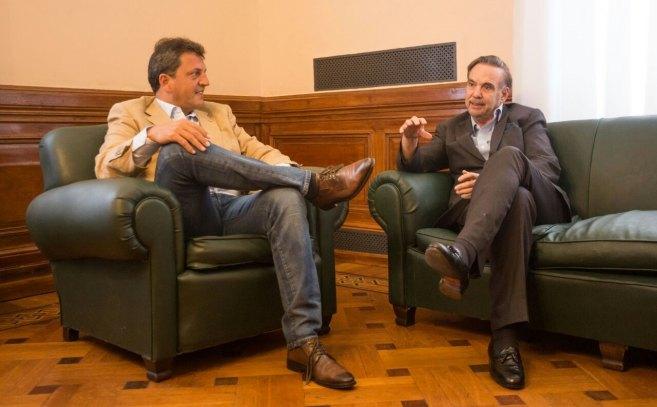 En una nueva foto de impacto al interior del peronismo, Massa se mostró con Pichetto
