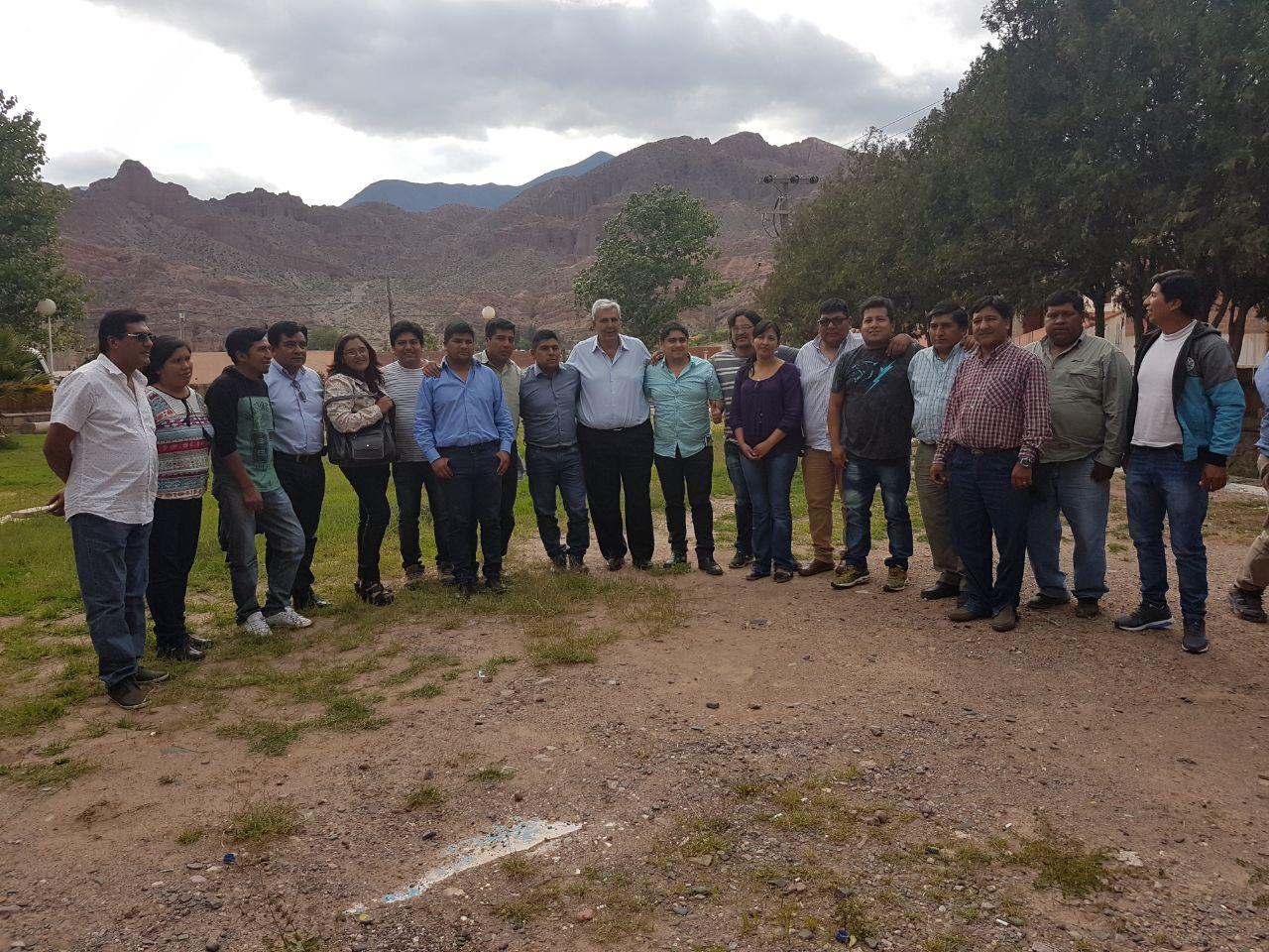 Haquim se reune con jefes comunales