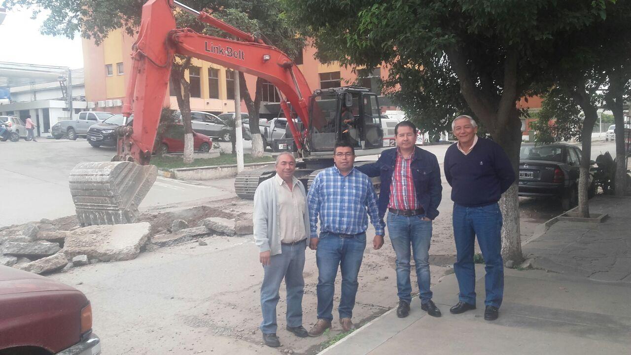 Comenzaron trabajos de pavimentación en Avda. Urquiza