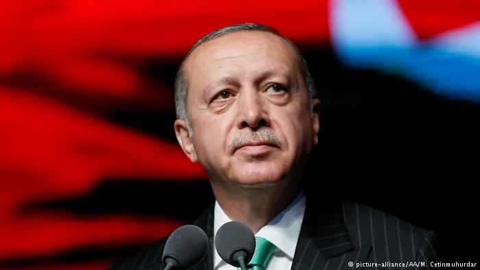 Erdogan apuesta por reiniciar relaciones con Alemania «de igual a igual»
