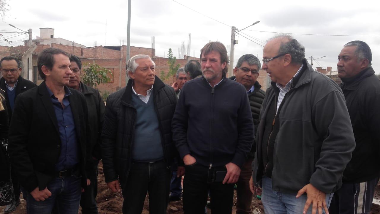 Rizzotti y el Intendente de Perico Ficoseco recorrieron importantes obras