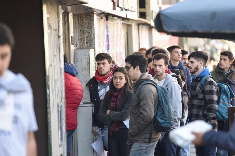 El desempleo subió al 10,6% en el segundo trimestre y hay 2,3 millones de desocupados en el país