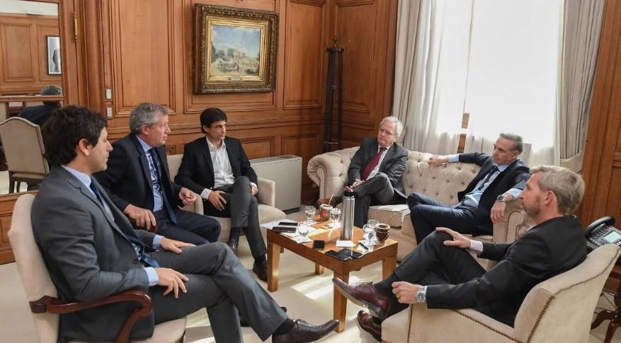 Refinanciación de deuda: Gobierno espera señal de Alberto Fernández, pero analiza un DNU