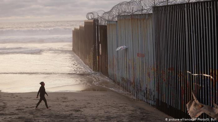 Corte Suprema permite a Trump negar asilo a indocumentados