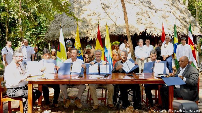 Presidentes sudamericanos firman pacto para preservar recursos de la Amazonía