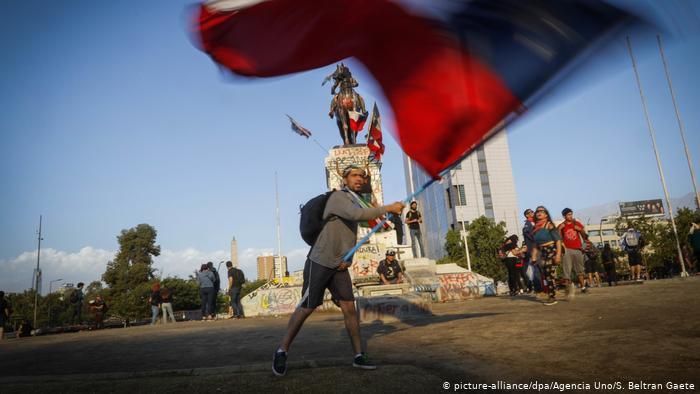 Chile recorta proyecciones económicas por crisis