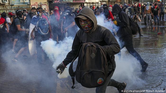 Miles volvieron a las calles en Chile