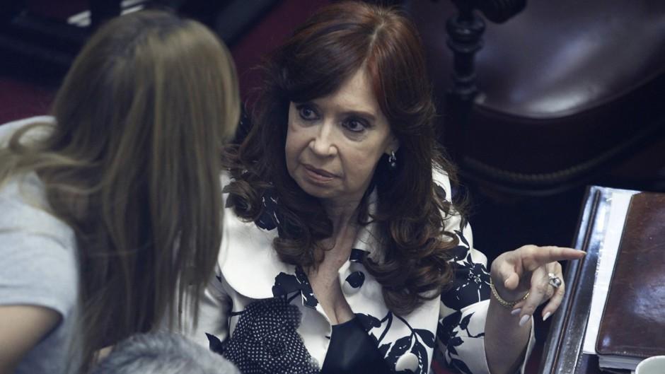Cristina cuestionó el golpe contra Evo y aprovechó para criticar a Piñera