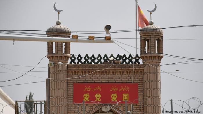 China rechaza críticas de Özil por «maltratos» de minoría uigur en Xinjiang
