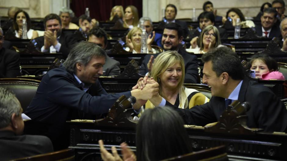 Massa y Máximo dominaron la jura de diputados y se repartieron los cargos