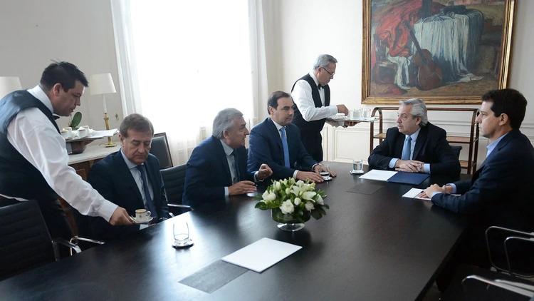 Fernández recibió a los gobernadores de la UCR