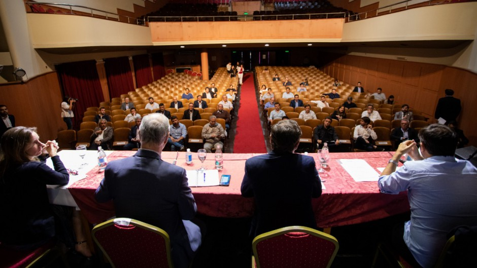 Kicillof se mostró muy preocupado por el impacto económico de las medidas de aislamiento
