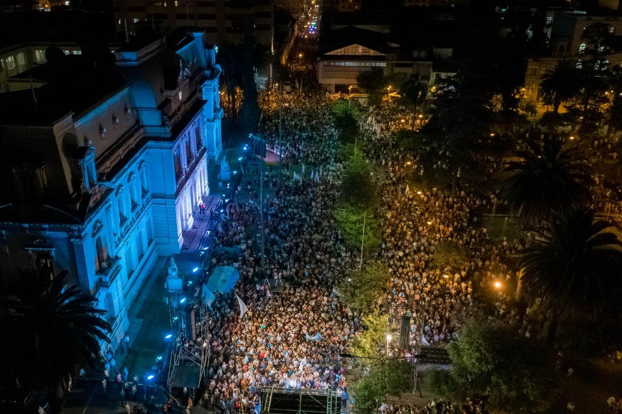 25.000 jujeños gritaron «Jujuy no se toca»