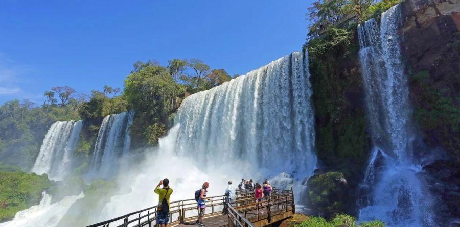 Legisladores radicales solicitaron más medidas para la industria del turismo