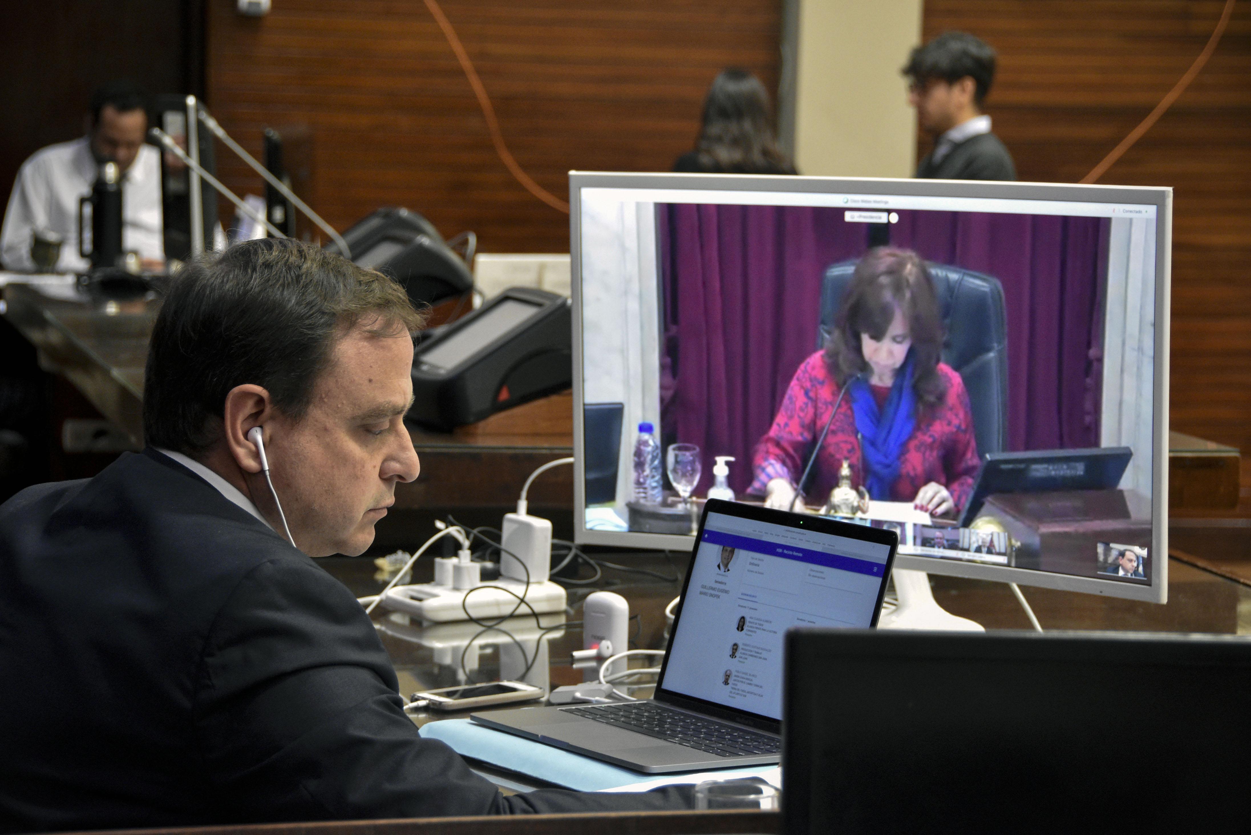 Senadores jujeños sesionaron desde La Legislatura