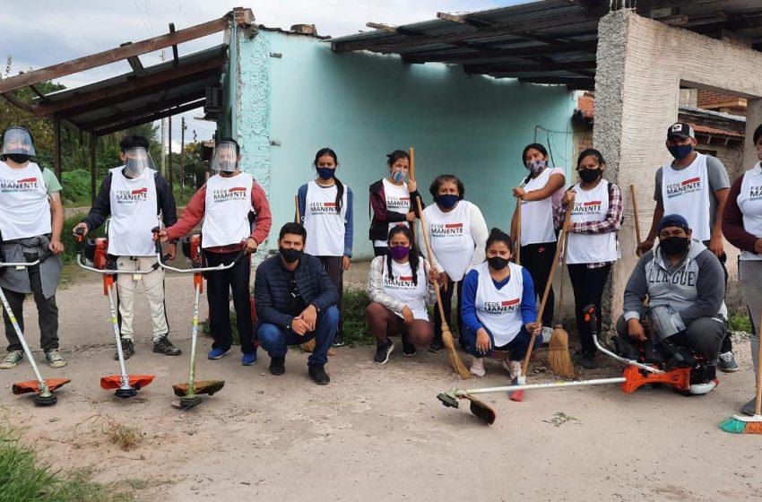 Equipo ecológico UCR Perico trabaja intensamente en desmalezados