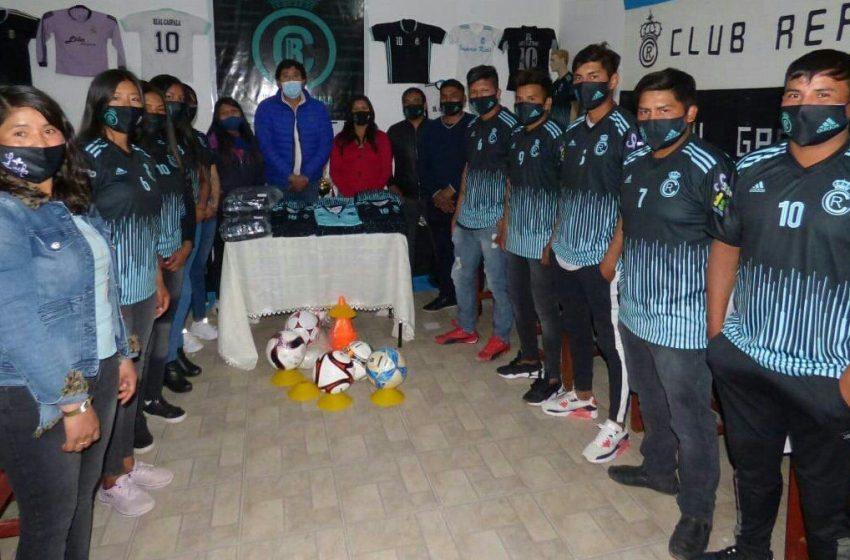 Presentación de la indumentaria deportiva del Club Real Caspalá