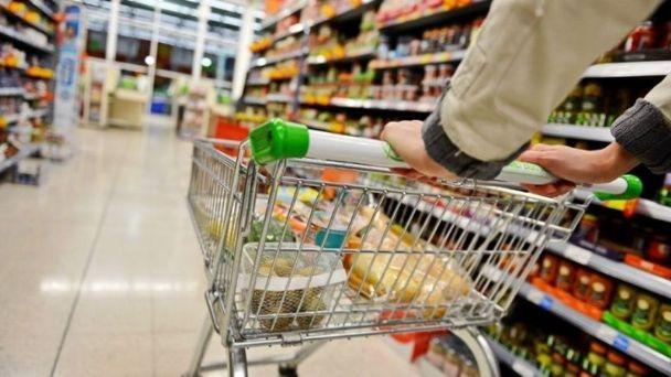 El consumo masivo no repunta y acumula una caída de casi 10%