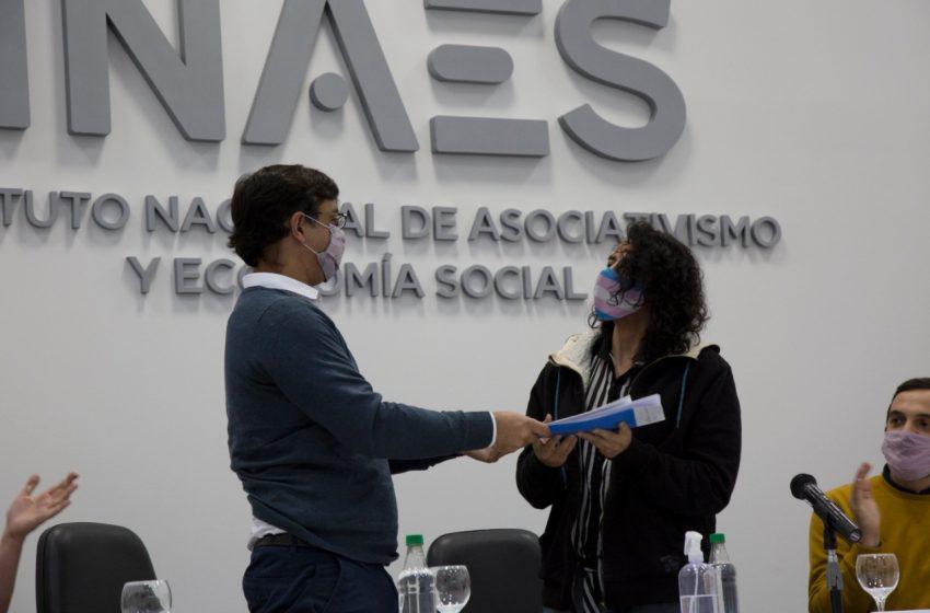 El INAES entregó la matrícula a la cooperativa Alternativa Laboral Trans